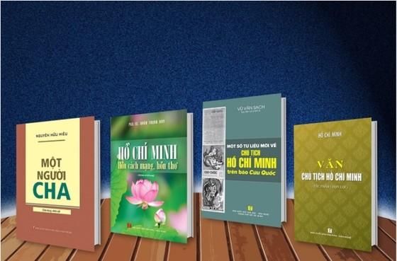 Nhiều tác phẩm độc đáo ra mắt nhân kỷ niệm 130 năm Ngày sinh Chủ tịch Hồ Chí Minh  ảnh 1