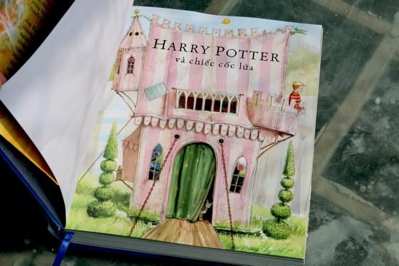 Ra mắt 'Harry Potter và chiếc cốc lửa' phiên bản in màu ảnh 2