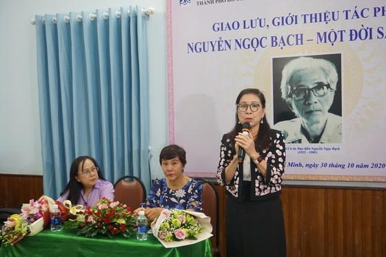 Nhiều nghệ sĩ xúc động trong buổi ra mắt sách về NSƯT Nguyễn Ngọc Bạch ảnh 3