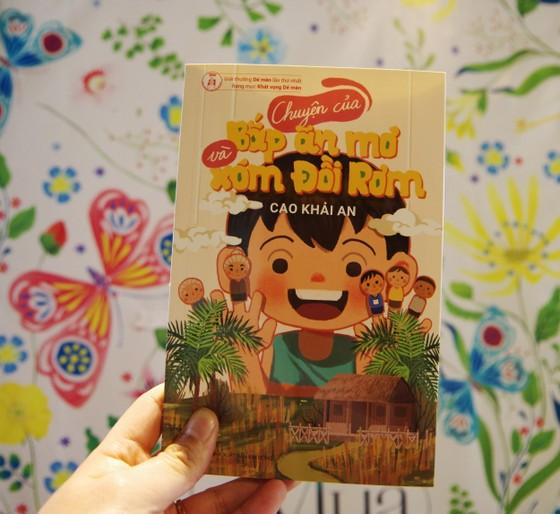 Con trai nhà văn Nguyễn Ngọc Tư ra mắt sách ở tuổi 13  ảnh 1