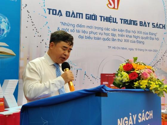 Tọa đàm giới thiệu sách Những điểm mới trong các văn kiện Đại hội XIII của Đảng ảnh 1