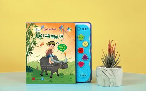 Những cuốn sách tương tác thay quà Trung thu cho trẻ ảnh 2