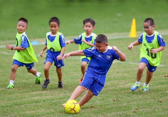 Công Vinh ra mắt học viện bóng đá cộng đồng CV9  ảnh 3