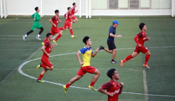 Thầy trò U22 Việt Nam tự tin với mục tiêu vào chung kết ảnh 2