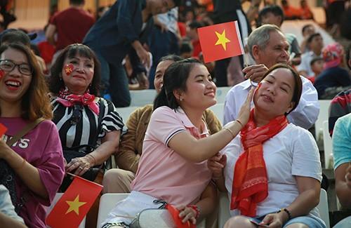 """Cộng đồng người Việt tại Campuchia """"tiếp lửa"""" U22 Việt Nam đánh bại Timor Leste ảnh 2"""