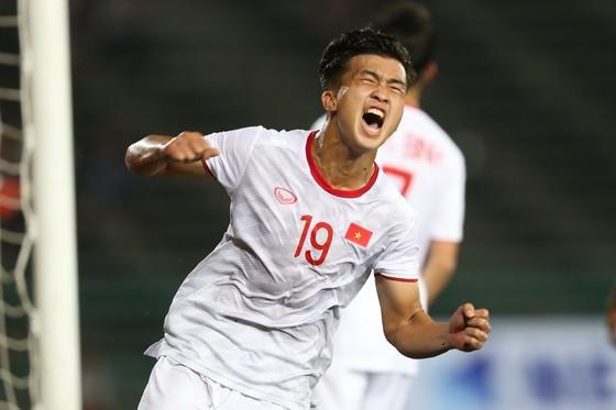 Hình ảnh đầy cảm xúc của Trần Danh Trung trong trận đấu với U22 Timor Leste. Ảnh: DŨNG PHƯƠNG