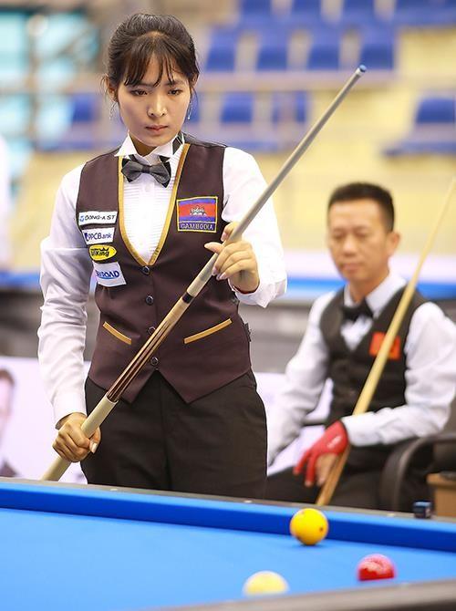 Cơ thủ xinh đẹp Srong Pheavy thể hiện tài năng ở giải Billiards carom châu Á 2019 ảnh 3