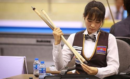 Cơ thủ xinh đẹp Srong Pheavy thể hiện tài năng ở giải Billiards carom châu Á 2019 ảnh 2