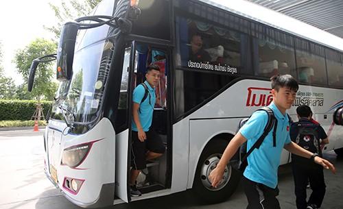 Hình ảnh đội tuyển Việt Nam đến khách sạn Modena - Buriram. Ảnh: Dũng Phương