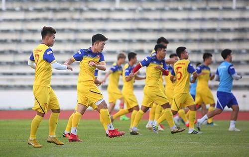 Các tuyển thủ Việt Nam thả lỏng chờ trận chung kết với Cuaracao ảnh 1