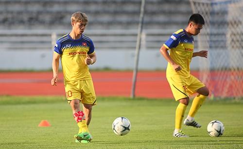 Các tuyển thủ Việt Nam thả lỏng chờ trận chung kết với Cuaracao ảnh 2
