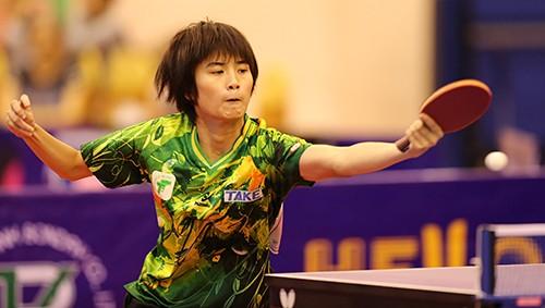 Tay vợt trẻ Diệu Khánh trong màu áo TPHCM. Ảnh: Dũng Phương