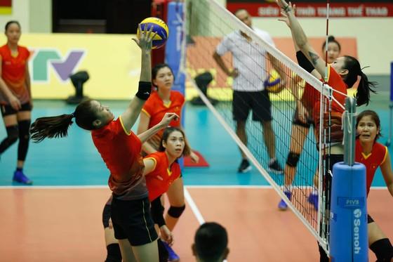 Đội tuyển nữ Việt Nam thoải mái tinh thần trước VTV Cup 2019 ảnh 3