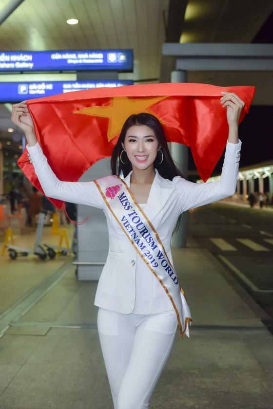Nữ cử nhân bóng chuyền đại diện Việt Nam thi Miss Tourism World 2019  ảnh 1