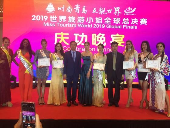 Người đẹp bóng chuyền Tường Vy đạt danh hiệu Hoa hậu Du lịch Thế giới 2019 được yêu thích nhất ảnh 3