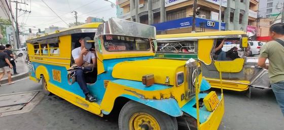 Đặc sản kẹt xe ở thủ đô Manila (Philippines). Ảnh: DŨNG PHƯƠNG