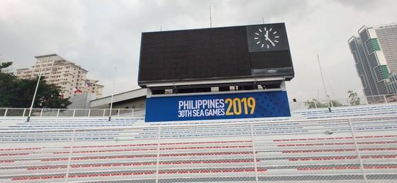 Băng rôn duy nhất về SEA Games tại sân vận động Rizal Memorial Sport Complex. Ảnh: DŨNG PHƯƠNG