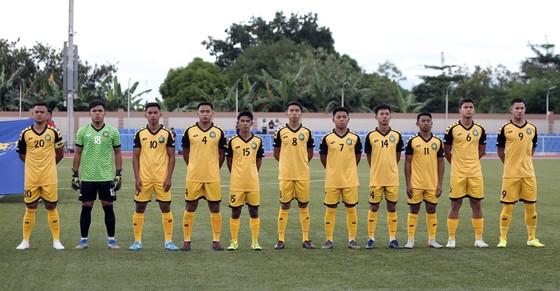 Thái tử Brunei Faiq Bolkiah Brunei không có tên mà vẫn vào sân thi đấu. Ảnh: Dũng Phương