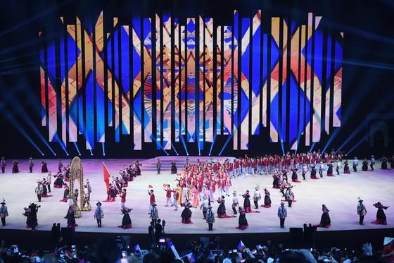 Lễ khai mạc SEA Games 30 diễn ra hoành tráng ảnh 10