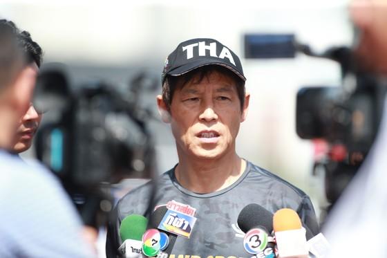 Đột kích buổi tập của U22 Thái Lan trước đại chiến bảng B, cầu thủ Supachok  ảnh 8