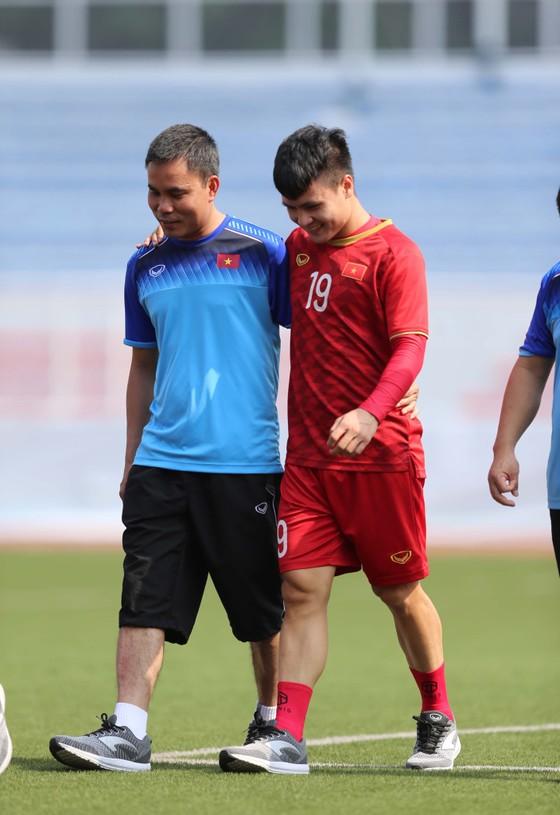 Chính thức: Quang Hải chia tay SEA Games 30 ảnh 1