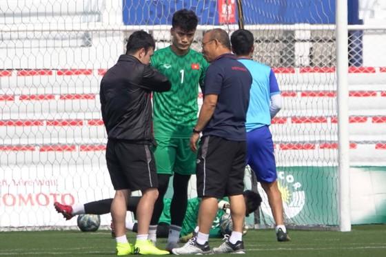 HLV Park Hang Seo đích thân luyện công cho Bùi Tiến Dũng ảnh 2