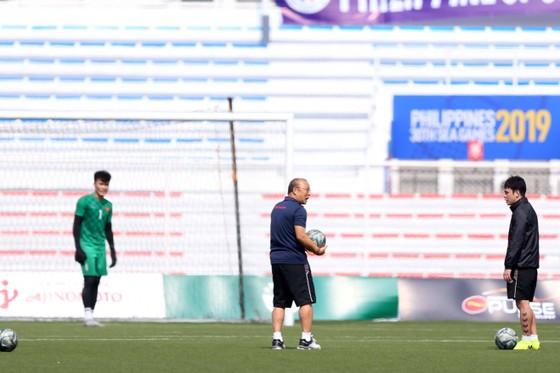 HLV Park Hang Seo đích thân luyện công cho Bùi Tiến Dũng ảnh 1