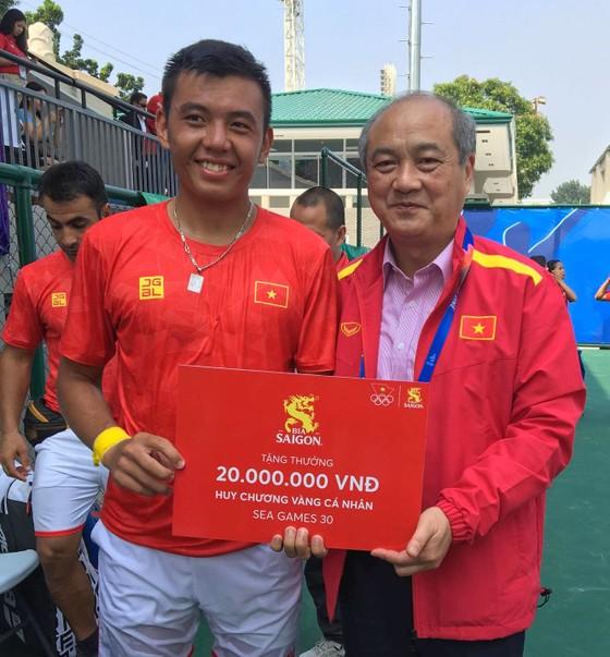 Một số hình ảnh Lý Hoàng Nam và  chiếc HCV lịch sử cho quần vợt Việt Nam tại SEA Games 30 ảnh 5