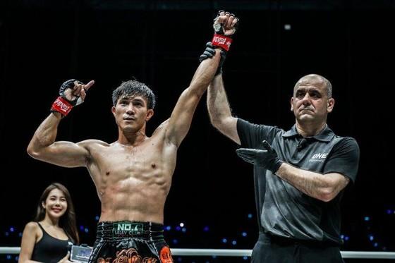 Võ sĩ Nguyễn Trần Duy Nhất nỗ lực tập luyện chuẩn bị ONE Championship 2020 ảnh 7
