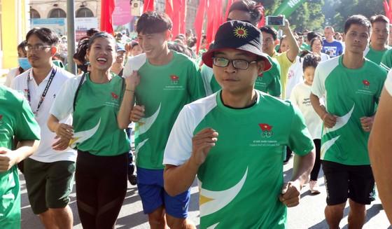 Hơn 30.000 người tham gia Ngày chạy Olympic vì sức khỏe toàn dân ảnh 5