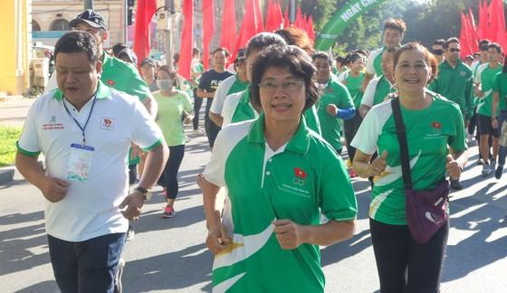 Hơn 30.000 người tham gia Ngày chạy Olympic vì sức khỏe toàn dân ảnh 4