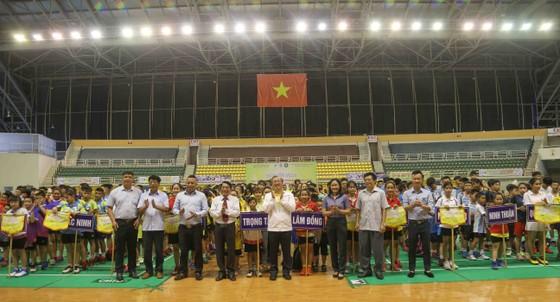 524 VĐV dự Giải Cầu lông các nhóm tuổi Thiếu niên toàn quốc năm 2020 ảnh 1