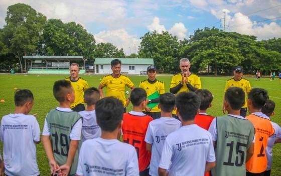 37 cầu thủ nhí trúng tuyển Học viện Juventus Việt Nam ảnh 3