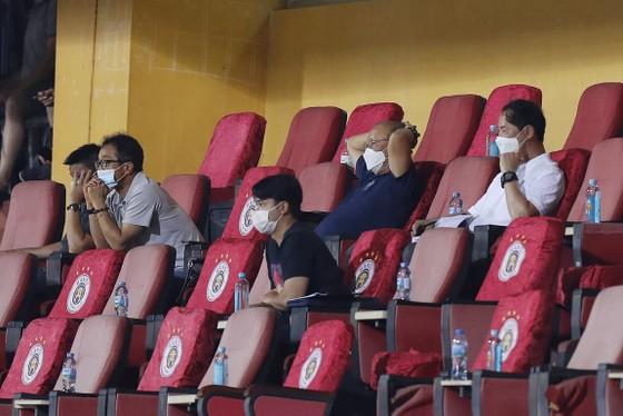 Bóng đá Việt Nam rộn ràng ngày trở lại ảnh 13