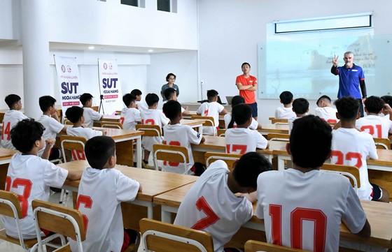 Gala Sút 2020: Ngày hội của bóng đá trẻ Việt Nam ảnh 1