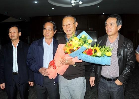 HLV Park Hang-Seo được chào đón nồng nhiệt tại Thành phố Pleiku ảnh 2