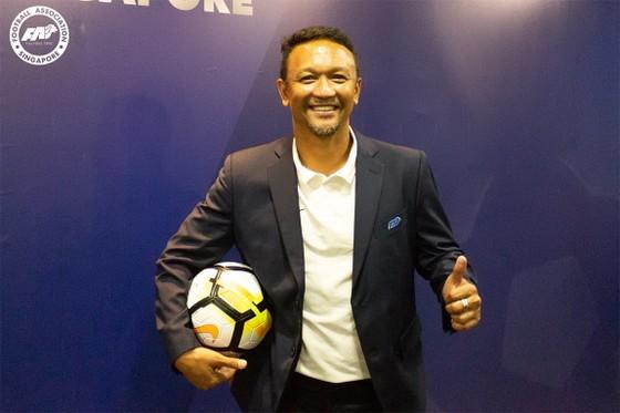 Huyền thoại của bóng đá Singapore Fandi Ahmad