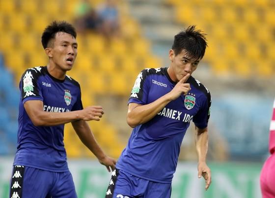 Tiến Linh tỏa sáng với 4 bàn thắng cho B.Bình Dương. Ảnh: ANH KHOA
