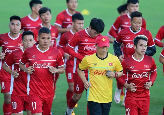 Các tuyển thủ sẵn sàng lên đường. Ảnh: MINH HOÀNG