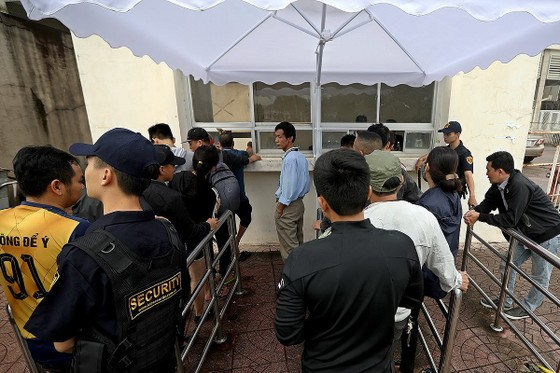 """Sốt vé"" trận Việt Nam – Malaysia ảnh 5"