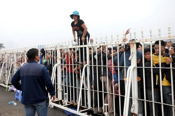 """Sốt vé"" trận Việt Nam – Malaysia ảnh 3"