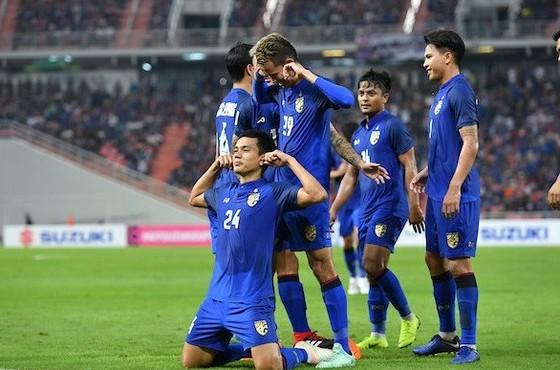 Thái Lan tỏ ra quá mạnh ở bảng B