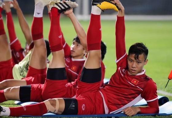 Đội tuyển trên sân tập tối 18-1 tại Dubai