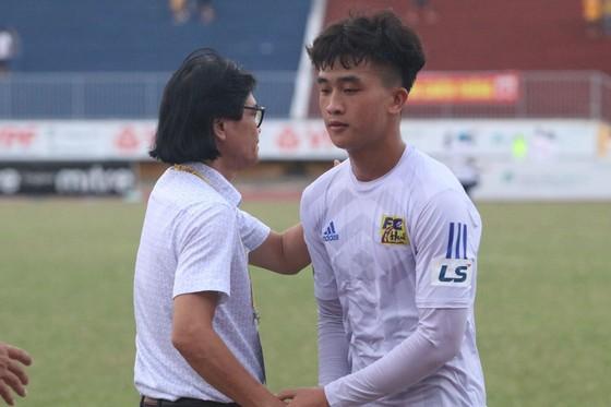 Vòng 9 giải hạng Nhất - LS 2019: An Giang thảm bại trên sân Tự Do ảnh 1