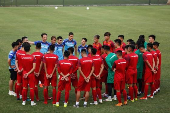 Khán giả Phú Thọ háo hức chờ đội U23 Việt Nam ảnh 4