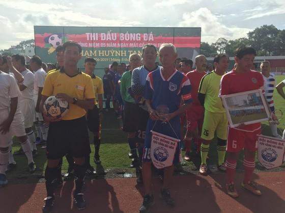 Các cựu cầu thủ họp mặt tưởng niệm 5 năm ngày mất HLV Phạm Huỳnh Tam Lang ảnh 7
