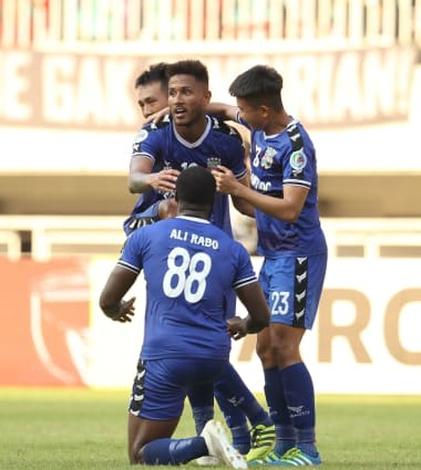 Loại PSM Makassar, B.Bình Dương gặp CLB Hà Nội trong trận chung kết ảnh 1