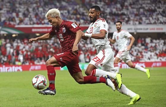 Giá trị của đội tuyển Việt Nam tăng lên nhưng vẫn kém Messi Thái ảnh 2