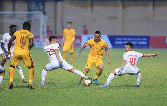 Thanh Hoá và Nam Định là 2/4 đội được VFF cấp phép ngoại lệ. Ảnh: Đoàn Nhật