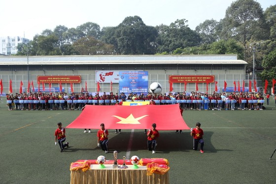 Lễ khai mạc diễn ra long trọng trên sân Tao Đàn. Ảnh: Anh Trần